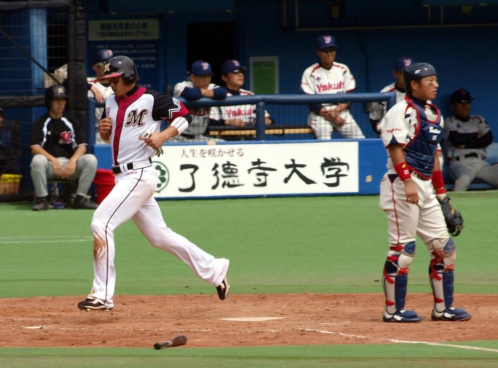 Saburo scores Lotte's only run