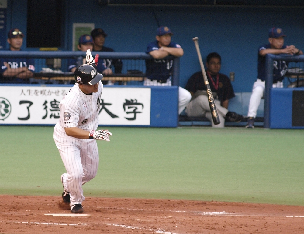 Iguchi singles and later scores in the third